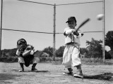 Boys Playing Baseball Fotografisk tryk af H. Armstrong Roberts