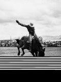 Rodeo Cowboy Riding Bucking Bronco Fotografisk trykk av H. Armstrong Roberts