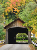 Built in 1837, Coombs Covered Bridge, Ashuelot River in Winchester, New Hampshire, USA Fotografie-Druck von Jerry & Marcy Monkman