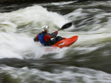Kayaker Plays in a Hole in Tariffville Gorge, Farmington River in Tariffville, Connecticut, USA Fotografie-Druck von Jerry & Marcy Monkman