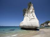 Rock Formation, Cathedral Cove, Coromandel Peninsula, North Island, New Zealand Photographie par David Wall