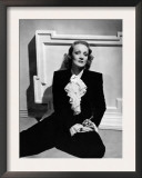 Marlene Dietrich, Early 1940s Posters
