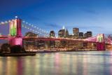 El puente de Brooklyn de noche Láminas