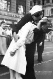 New York - Wars End Kiss Affischer