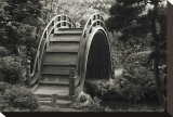 Moon Bridge in Tea Garden Opspændt lærredstryk af Christian Peacock