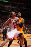 Indiana Pacers v Chicago Bulls - Game Five, Chicago, IL- April 26: Joakim Noah and Danny Granger Photographie