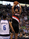 Portland Trail Blazers v Dallas Mavericks - Game Five, Dallas, TX - April 25: Brandon Roy and Tyson Photographic Print