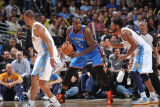 Oklahoma City Thunder v Denver Nuggets - Game 4, Denver, CO - April 25: Kendrick Perkins and Nene H Photographie