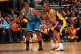 New Orleans Hornets v Los Angeles Lakers - Game Two, Los Angeles, CA - April 20: Chris Paul and Kob Fotografisk tryk
