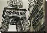 Eiffel Tower Street View, no. 3 Opspændt lærredstryk af Christian Peacock