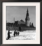 Moscow River and Kremlin in Winter Photograph - Moscow, Russia Posters