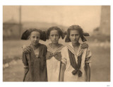 3 Girls with Kerchiefs Masterprint