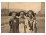 3 Girls with Kerchiefs Masterprint