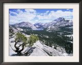 Tenaya Lake from Olstead Point on Tioga Pass, Yosemite National Park, California, USA Posters by David Kjaer