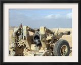 US Marines Prepare to Fire a Howitzer Near Baghdad, Iraq, January 6, 2007 Prints by  Stocktrek Images