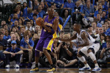 Los Angeles Lakers v Dallas Mavericks - Game Four, Dallas, TX - MAY 8: Kobe Bryant and DeShawn Stev Photographic Print by Danny Bollinger