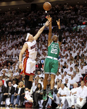 Boston Celtics v Miami Heat - Game Two, Miami, FL - MAY 03: Ray Allen and Mike Bibby Photographic Print by Mike Ehrmann