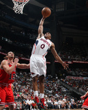 Chicago Bulls v Atlanta Hawks - Game Four,  ATLANTA - MAY 8: Jeff Teague and Joakim Noah Photographie par Scott Cunningham