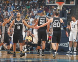 San Antonio Spurs v Memphis Grizzlies - Game Four, Memphis, TN - APRIL 25: Manu Ginobili and Tony P Fotografisk tryk af Joe Murphy