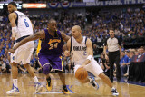 Los Angeles Lakers v Dallas Mavericks - Game Four, Dallas, TX - MAY 08: Jason Kidd and Kobe Bryant Photographic Print by Ronald Martinez