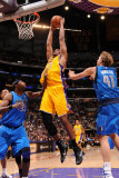 Dallas Mavericks v Los Angeles Lakers - Game Two, Los Angeles, CA - MAY 4: Andrew Bynum Photographic Print by Andrew Bernstein