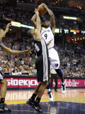 San Antionio Spurs v Memphis Grizzlies - Game Four, Memphis, TN - APRIL 25: Tony Allen and Gary Nea Photographic Print by Andy Lyons