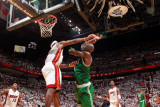 Boston Celtics v Miami Heat - Game Two, Miami, FL - MAY 3: Kevin Garnett and LeBron James Photographic Print by Victor Baldizon