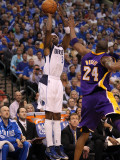 Los Angeles Lakers v Dallas Mavericks - Game Four, Dallas, TX - MAY 08: Jason Terry and Kobe Bryant Photographic Print by Ronald Martinez