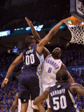 Memphis Grizzlies v Oklahoma City Thunder - Game Two, Oklahoma City, OK - MAY 03: Darrell Arthur an Photographic Print by Ronald Martinez