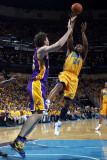 Los Angeles Lakers v New Orleans Hornets - Game Three, New Orleans, LA - APRIL 22: Carl Landry and  Photographic Print by Layne Murdoch