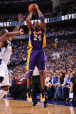 Los Angeles Lakers v Dallas Mavericks - Game Four, Dallas, TX - MAY 8: Kobe Bryant and DeShawn Stev Photographic Print by Andrew Bernstein
