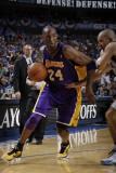 Los Angeles Lakers v Dallas Mavericks - Game Four, Dallas, TX - MAY 8: Kobe Bryant and Jason Kidd Photographic Print by Danny Bollinger