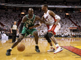 Boston Celtics v Miami Heat - Game Two, Miami, FL - MAY 03: Kevin Garnett and Chris Bosh Photographic Print by Mike Ehrmann
