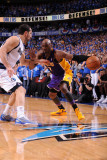 Los Angeles Lakers v Dallas Mavericks - Game Three, Dallas, TX - MAY 6: Lamar Odom and Peja Stojako Photographic Print by Andrew Bernstein