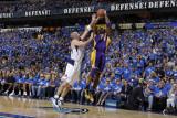 Los Angeles Lakers v Dallas Mavericks - Game Three, Dallas, TX - MAY 6: Kobe Bryant and Jason Kidd Photographic Print by Danny Bollinger
