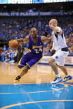 Los Angeles Lakers v Dallas Mavericks - Game Three, Dallas, TX - MAY 6: Kobe Bryant and Jason Kidd Photographic Print by Noah Graham