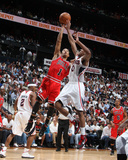 Chicago Bulls v Atlanta Hawks - Game Three, Atlanta, GA - MAY 6: Derrick Rose and Jeff Teague Photographie par Scott Cunningham