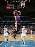Los Angeles Lakers v Dallas Mavericks - Game Three, Dallas, TX - MAY 6: Andrew Bynum Photographic Print by Danny Bollinger