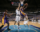 Los Angeles Lakers v Dallas Mavericks - Game Three, Dallas, TX - MAY 6: Kobe Bryant and Tyson Chand Photographic Print by Danny Bollinger