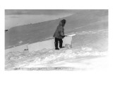 Kotzebue, Alaska - Eskimo Cutting Igloo Snow Blocks Pósters