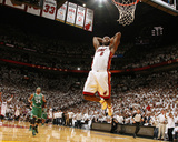 Boston Celtics v Miami Heat - Game Five, Miami, FL - MAY 11: LeBron James and Paul Pierce Lmina fotogrfica por Issac Baldizon