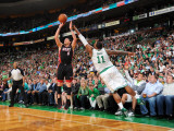 Miami Heat v Boston Celtics - Game Four, Boston, MA - MAY 9: Mike Bibby and Glen Davis Photographic Print by Brian Babineau