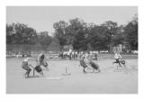 Children In Wheel Barrow Race Pôsters