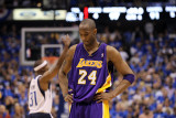 Los Angeles Lakers v Dallas Mavericks - Game Three, Dallas, TX - MAY 6: Kobe Bryant Photographic Print by Ronald Martinez