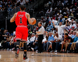 Chicago Bulls v Atlanta Hawks - Game Three, Atlanta, GA - MAY 6: Derrick Rose Photographic Print by Kevin Cox