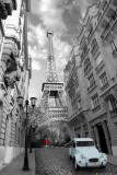 París - Chica de rojo, coche azul Láminas