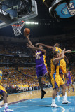 Los Angeles Lakers v New Orleans Hornets, New Orleans, LA - APRIL 22: Ron Artest and Carl Landry Photographic Print by Layne Murdoch