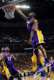 Los Angeles Lakers v New Orleans Hornets, New Orleans, LA - APRIL 22: Kobe Bryant Photographic Print by Layne Murdoch