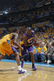 Los Angeles Lakers v New Orleans Hornets, New Orleans, LA - APRIL 22: Kobe Bryant and Trevor Ariza Photographic Print by Layne Murdoch