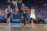 Memphis Grizzlies v Oklahoma City Thunder - Game One, Oklahoma City, OK - MAY 1: Mike Conley Photographic Print by Joe Murphy